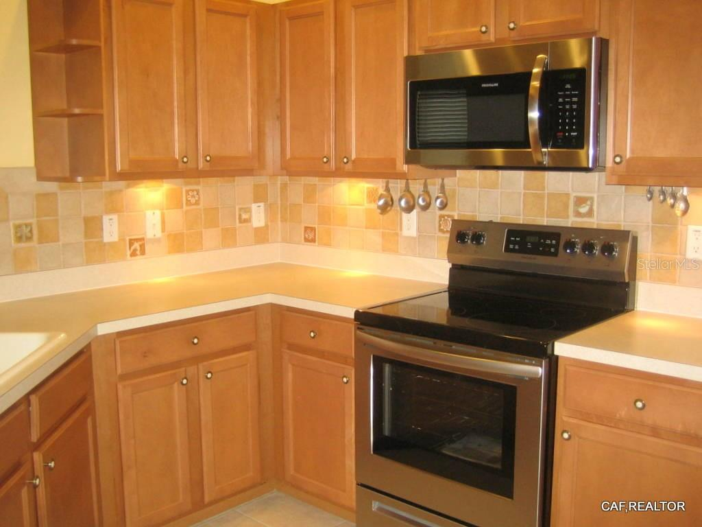 New stainless steel appliances - Villa for sale at 1445 Maseno Dr, Venice, FL 34292 - MLS Number is N5916837