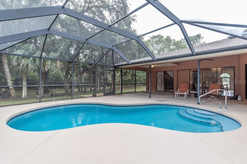 Single Family Home for sale at 3810 Albin Ave, North Port, FL 34286 - MLS Number is N6100509