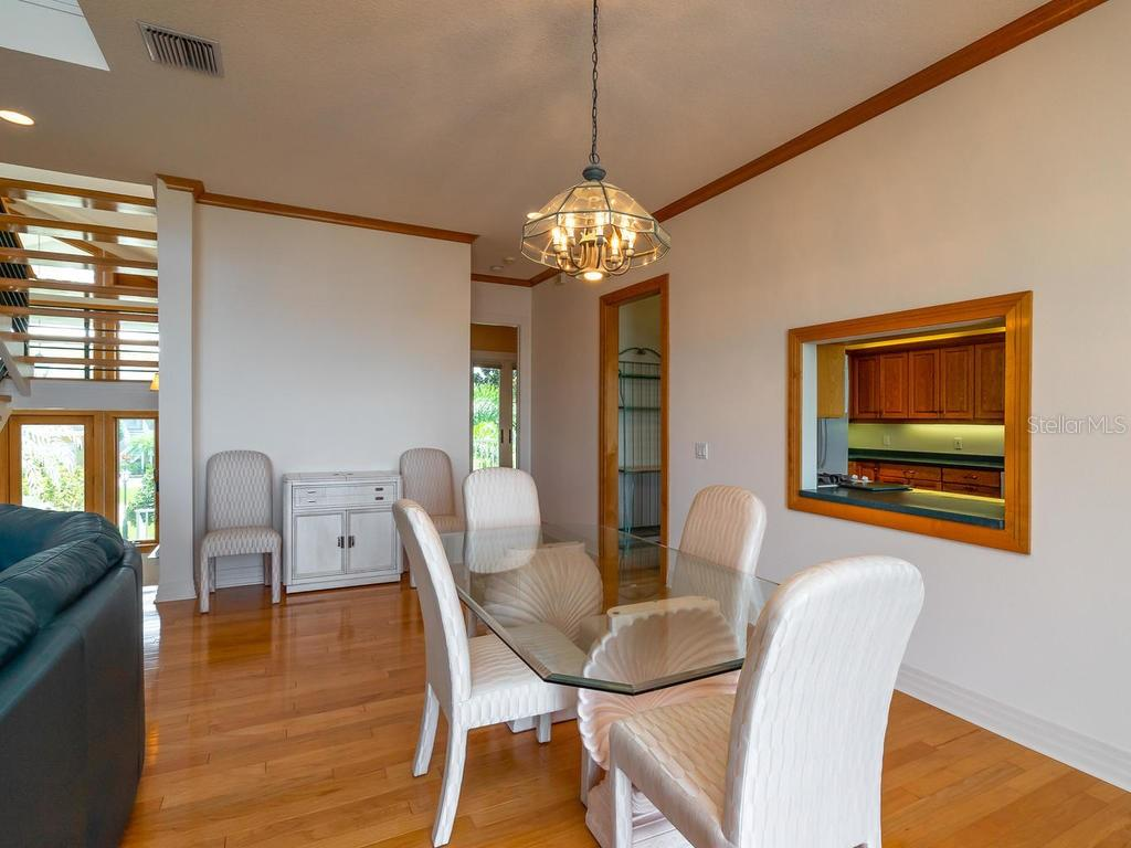 Dining room - Single Family Home for sale at 743 Eagle Point Dr, Venice, FL 34285 - MLS Number is N6101092