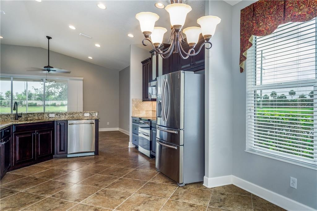 Kitchen has Stainless appliances - Single Family Home for sale at 2290 Terracina Dr, Venice, FL 34292 - MLS Number is N6101301