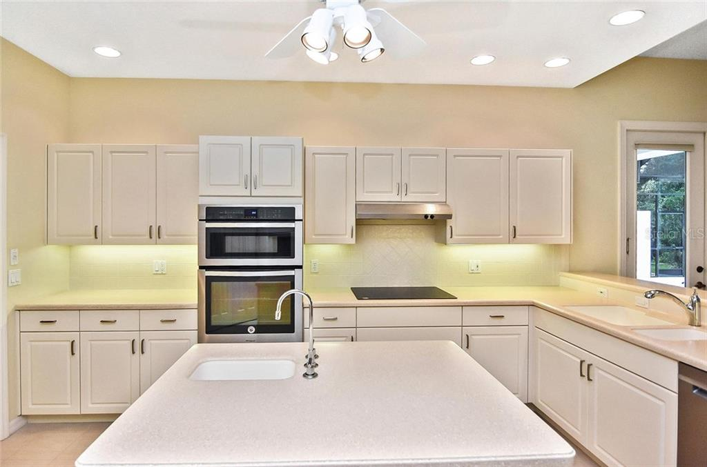 Kitchen - Single Family Home for sale at 2156 Muskogee Trl, Nokomis, FL 34275 - MLS Number is N6101745