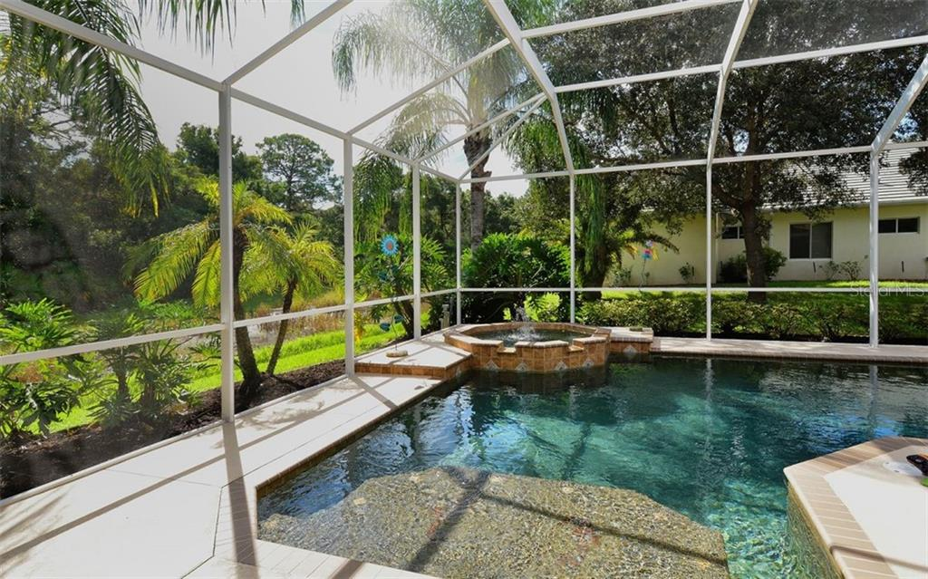 Pool - Single Family Home for sale at 913 Chickadee Dr, Venice, FL 34285 - MLS Number is N6101770
