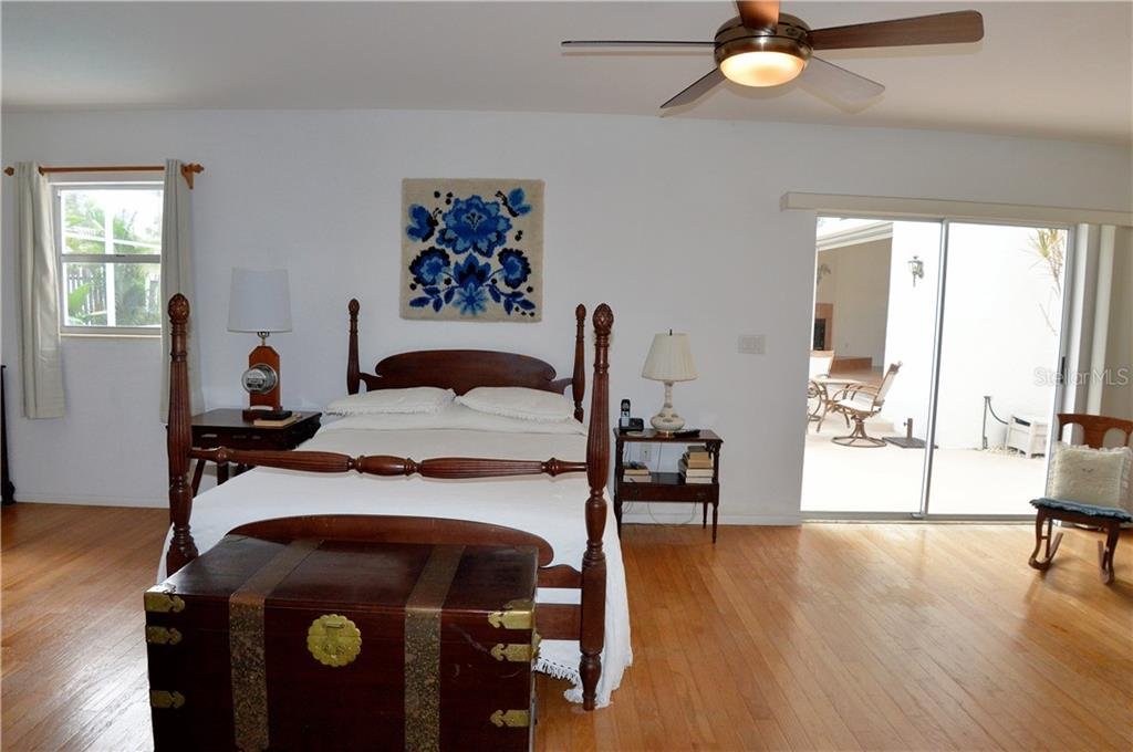 Master bedroom - Single Family Home for sale at 609 Armada Rd N, Venice, FL 34285 - MLS Number is N6102952