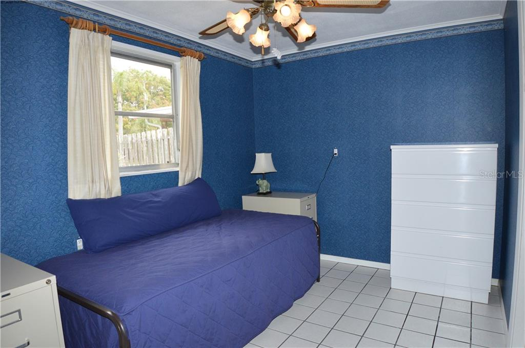 Guest bedroom 2 - Single Family Home for sale at 609 Armada Rd N, Venice, FL 34285 - MLS Number is N6102952
