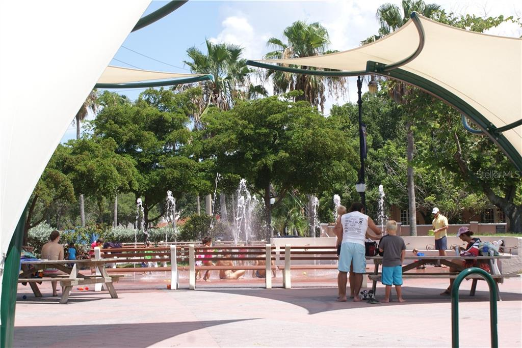 Children's fountain downtown Venice. - Condo for sale at 904 Casa Del Lago Way #904, Venice, FL 34292 - MLS Number is N6105434