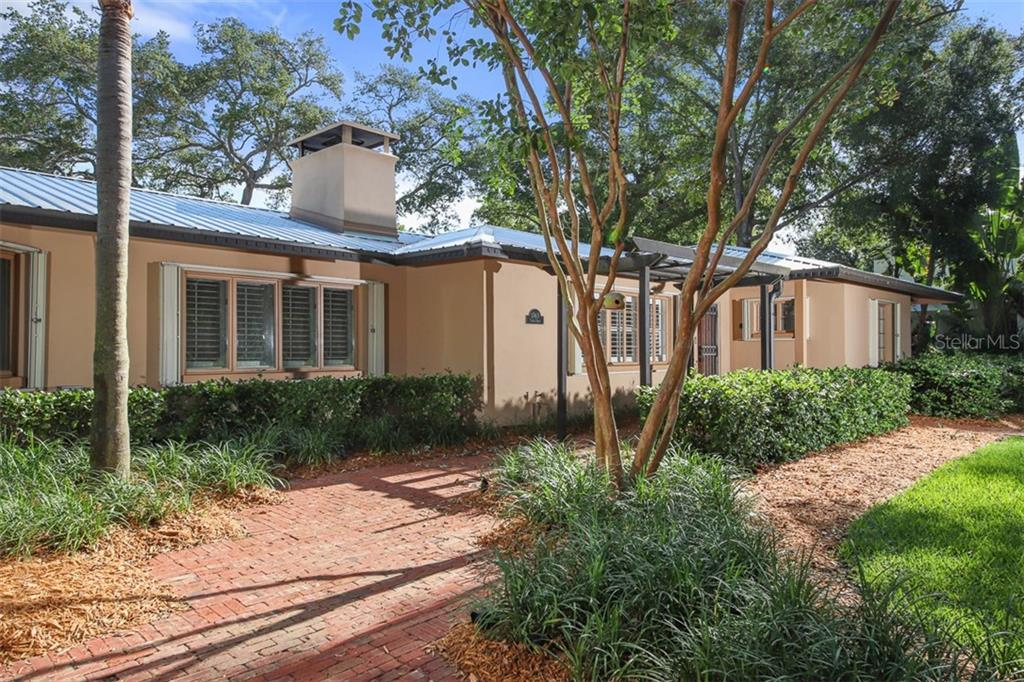 Single Family Home for sale at 1743 North Dr, Sarasota, FL 34239 - MLS Number is N6105623