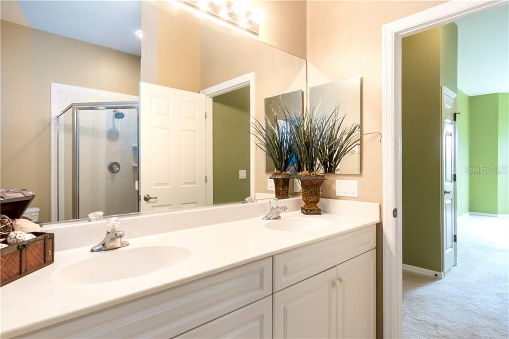 Guest Bath - Condo for sale at 1910 Triano Cir #1910, Venice, FL 34292 - MLS Number is N6106332