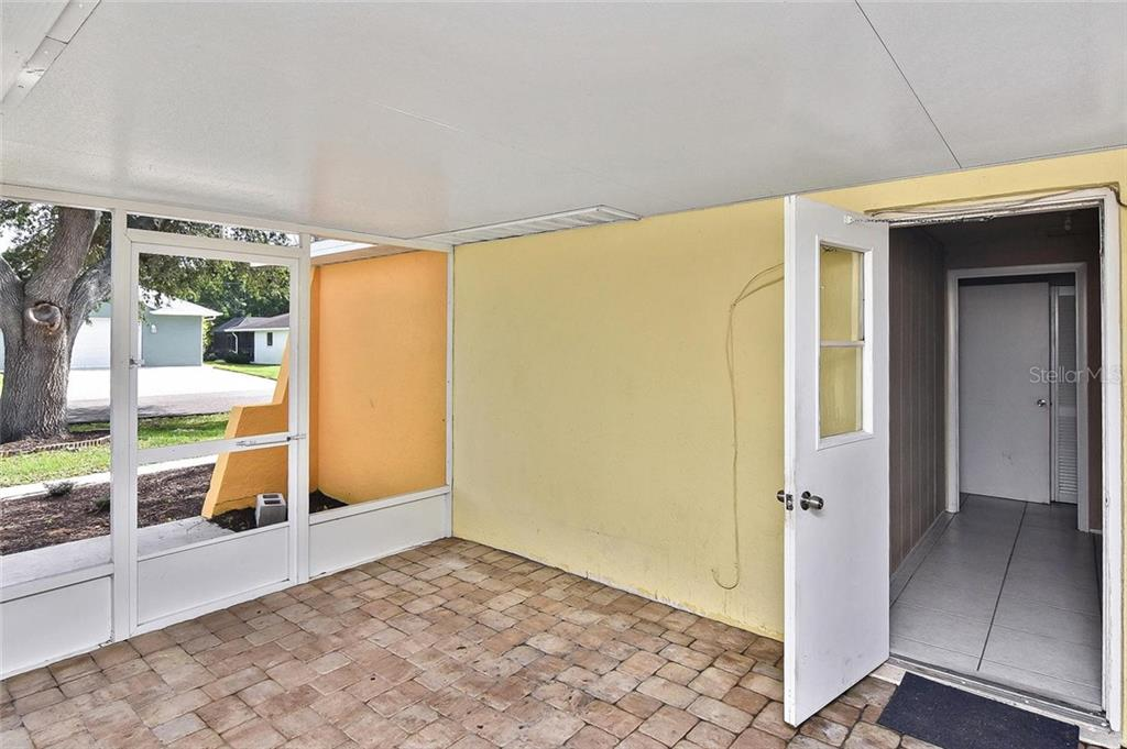 Lanai - Single Family Home for sale at 615 Lehigh Rd, Venice, FL 34293 - MLS Number is N6108175