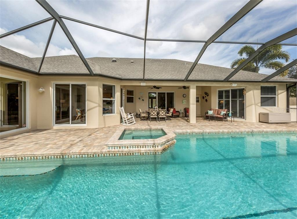 Single Family Home for sale at 774 Vanderbilt Dr, Nokomis, FL 34275 - MLS Number is N6108524