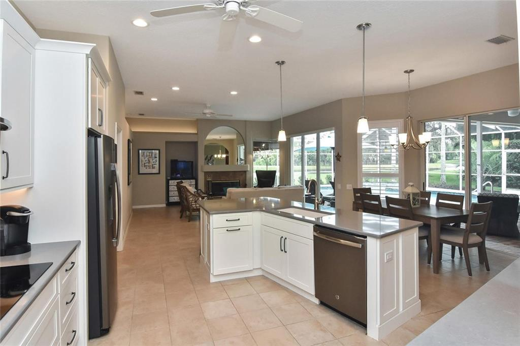 What a fantastic kitchen - Single Family Home for sale at 7185 N Serenoa Dr, Sarasota, FL 34241 - MLS Number is N6109058