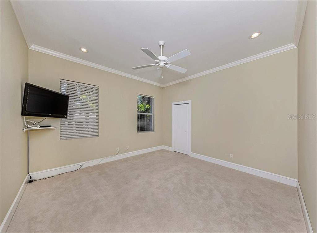 3rd bedroom - Single Family Home for sale at 727 Eagle Point Dr, Venice, FL 34285 - MLS Number is N6110087