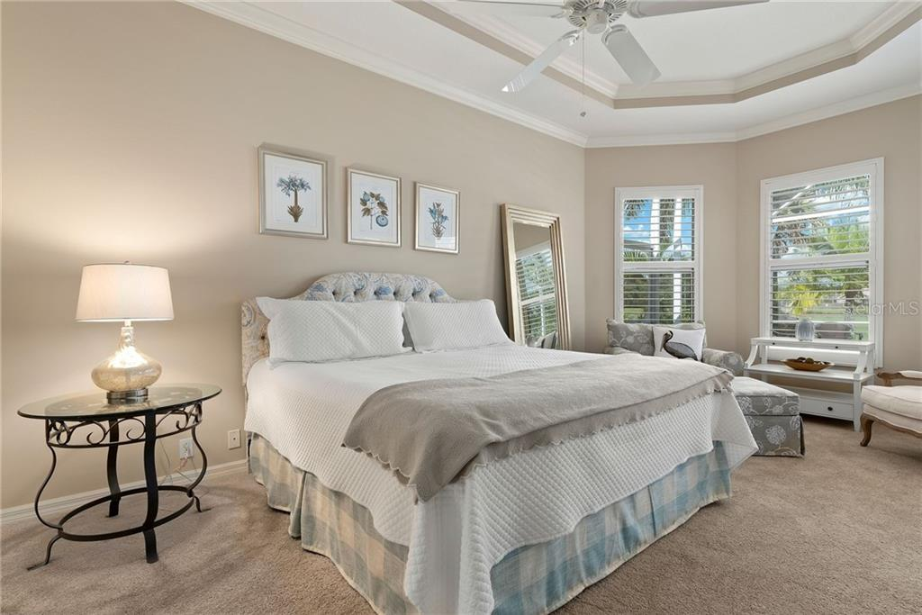 Master suite - Single Family Home for sale at 953 Chickadee Dr, Venice, FL 34285 - MLS Number is N6111180