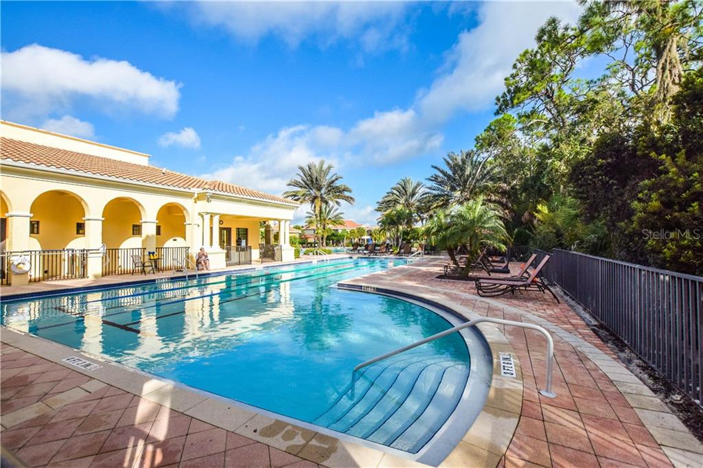 Community pool - Single Family Home for sale at 154 Rimini Way, North Venice, FL 34275 - MLS Number is N6112459