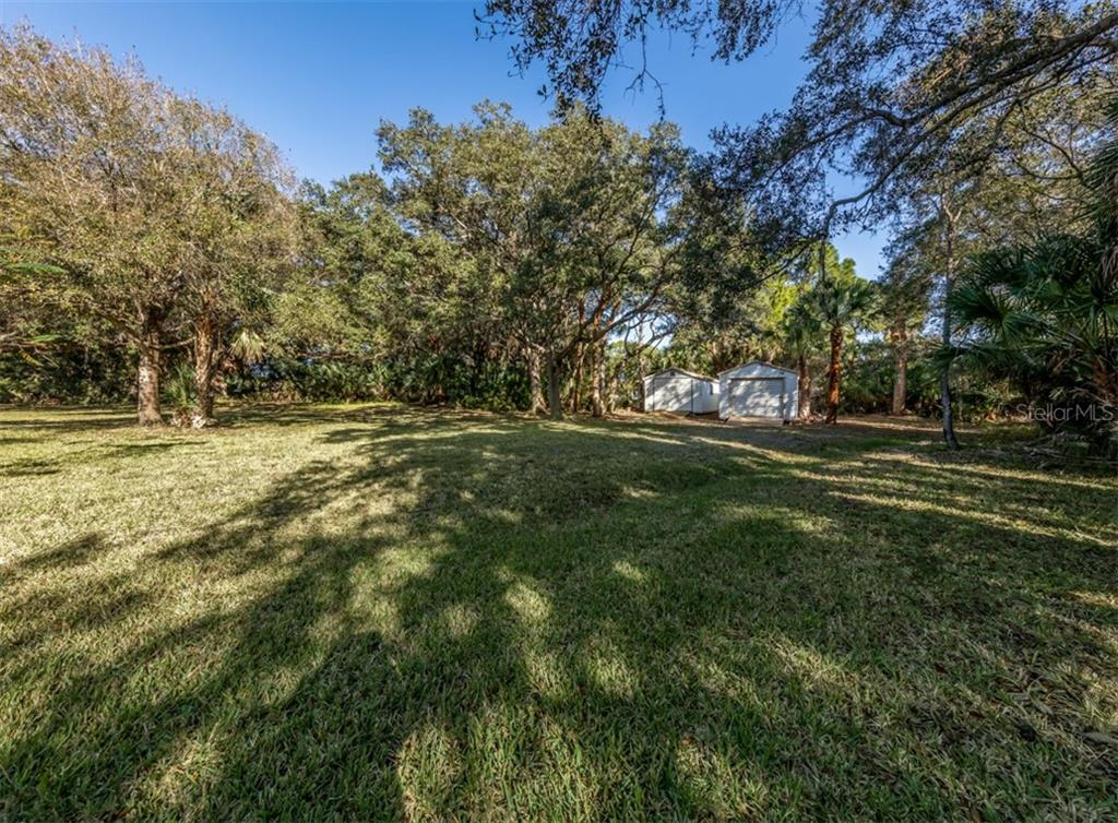 Yard - Single Family Home for sale at 1321 Guilford Dr, Venice, FL 34292 - MLS Number is N6113272