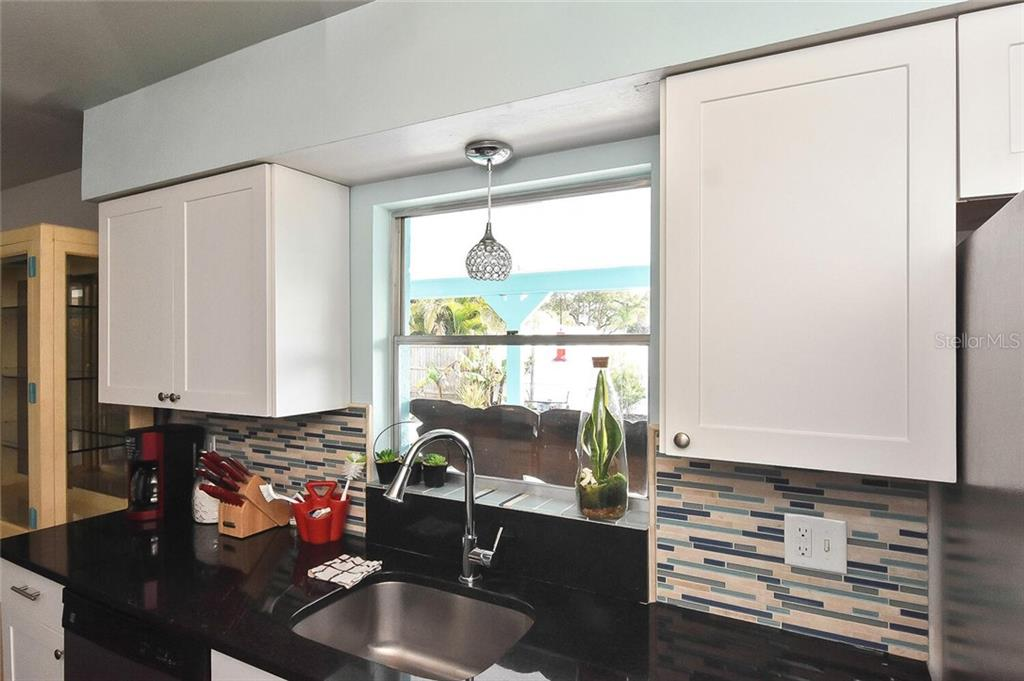 Kitchen - Single Family Home for sale at 991 Kimball Rd, Venice, FL 34293 - MLS Number is N6113781