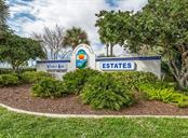 Venice Isle entrance - Single Family Home for sale at 512 Cervina Dr S, Venice, FL 34285 - MLS Number is N6113162