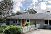 425 E Cowles St, Englewood, FL 34223