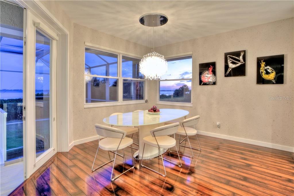 Additional photo for property listing at 5016 64th Dr W 5016 64th Dr W Bradenton, Florida,34210 Estados Unidos