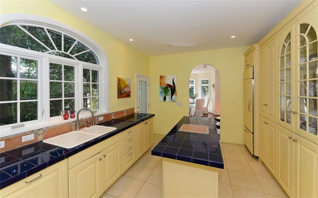 Additional photo for property listing at 1053 Citrus Ave  Sarasota, Florida,34236 United States