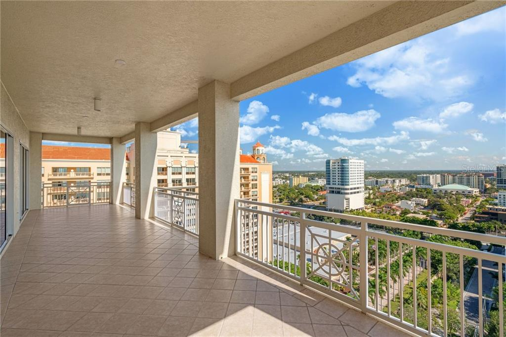 Additional photo for property listing at 35 Watergate Dr #1804 35 Watergate Dr #1804 Sarasota, Florida,34236 Stati Uniti