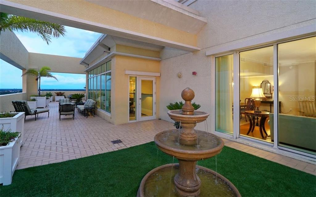 Additional photo for property listing at 800 N Tamiami Trl #ph1801  Sarasota, Florida,34236 United States