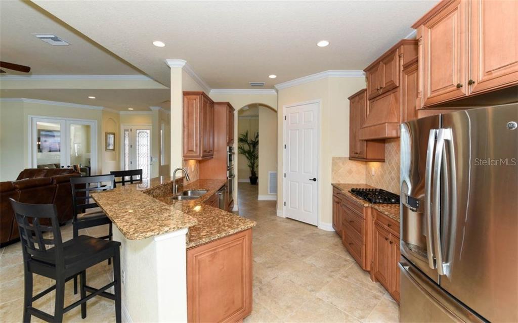 Superior Cloverleaf Run Lakewood Ranch FL MLS A   Cloverleaf Home Interiors