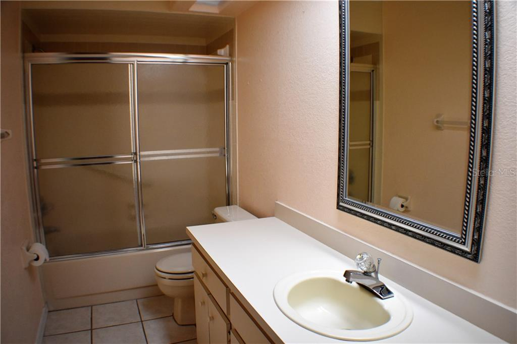 Bathroom Cabinets Lakeland Fl 1412 covey cir s, lakeland, fl 33809 - mls a4191153