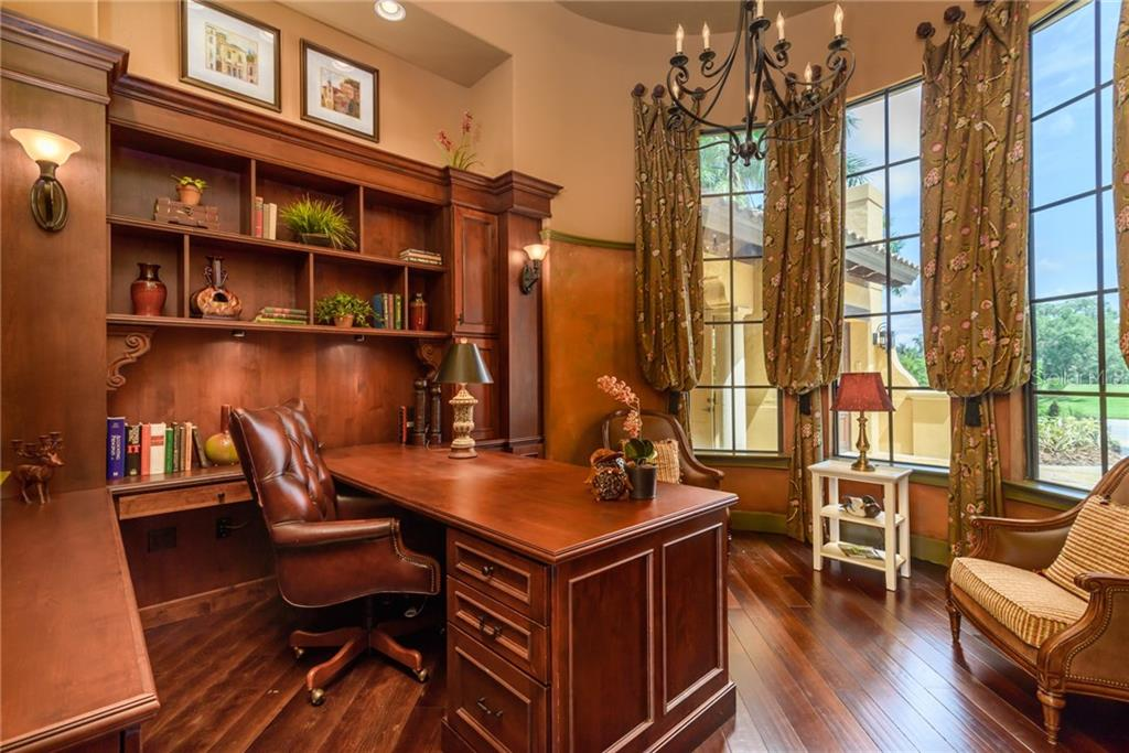 Impressive office with tons of built-ins. - Single Family Home for sale at 11823 River Shores Trl, Parrish, FL 34219 - MLS Number is A4194999