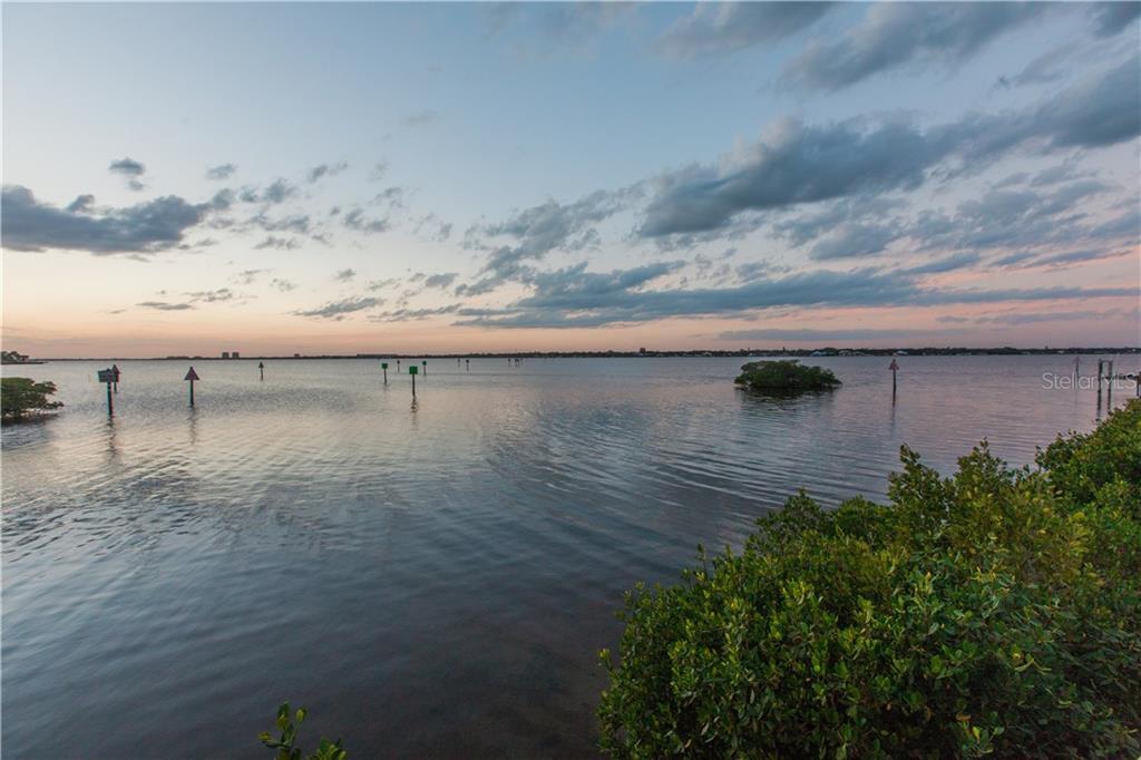 Additional photo for property listing at 608 Regatta Way 608 Regatta Way Bradenton, Флорида,34208 Соединенные Штаты