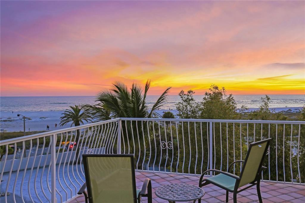 Roof top terrace - Single Family Home for sale at 166 Bryant Dr, Sarasota, FL 34236 - MLS Number is A4203504