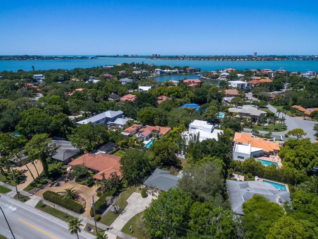 Single Family Home for sale at 1408 S Orange Ave, Sarasota, FL 34239 - MLS Number is A4400905