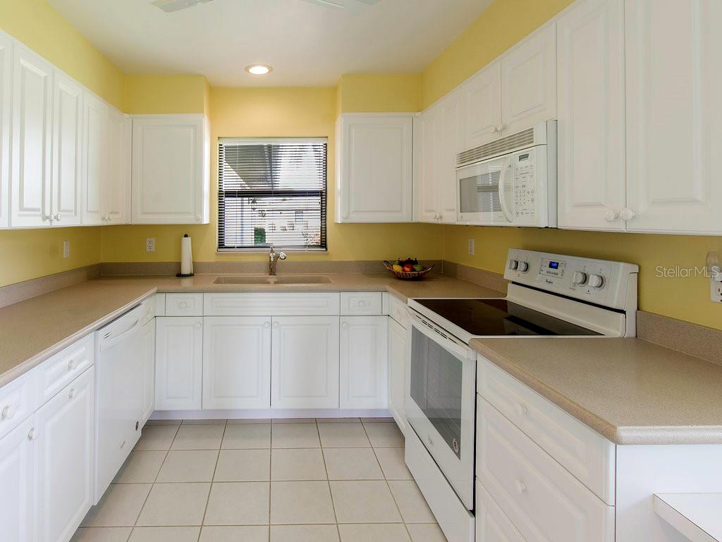 Updated kitchen with new appliances. Lots of cabinet space and pantry with pull out drawers - Villa for sale at 7467 Carnoustie Dr #5d, Sarasota, FL 34238 - MLS Number is A4412518