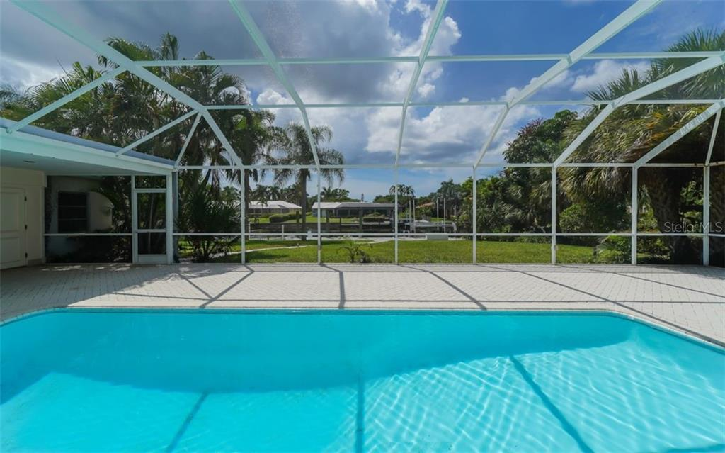 Single Family Home for sale at 390 Bob White Dr, Sarasota, FL 34236 - MLS Number is A4413388