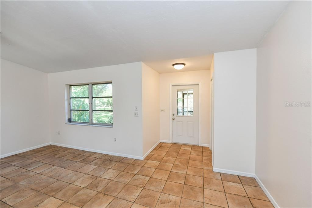 Light and bright. - Single Family Home for sale at 2045 Frederick Dr, Venice, FL 34292 - MLS Number is A4416740