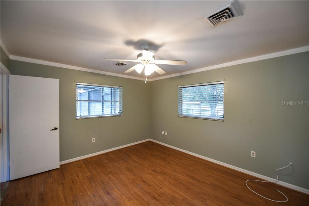 Ample master bedroom. - Single Family Home for sale at 2045 Frederick Dr, Venice, FL 34292 - MLS Number is A4416740