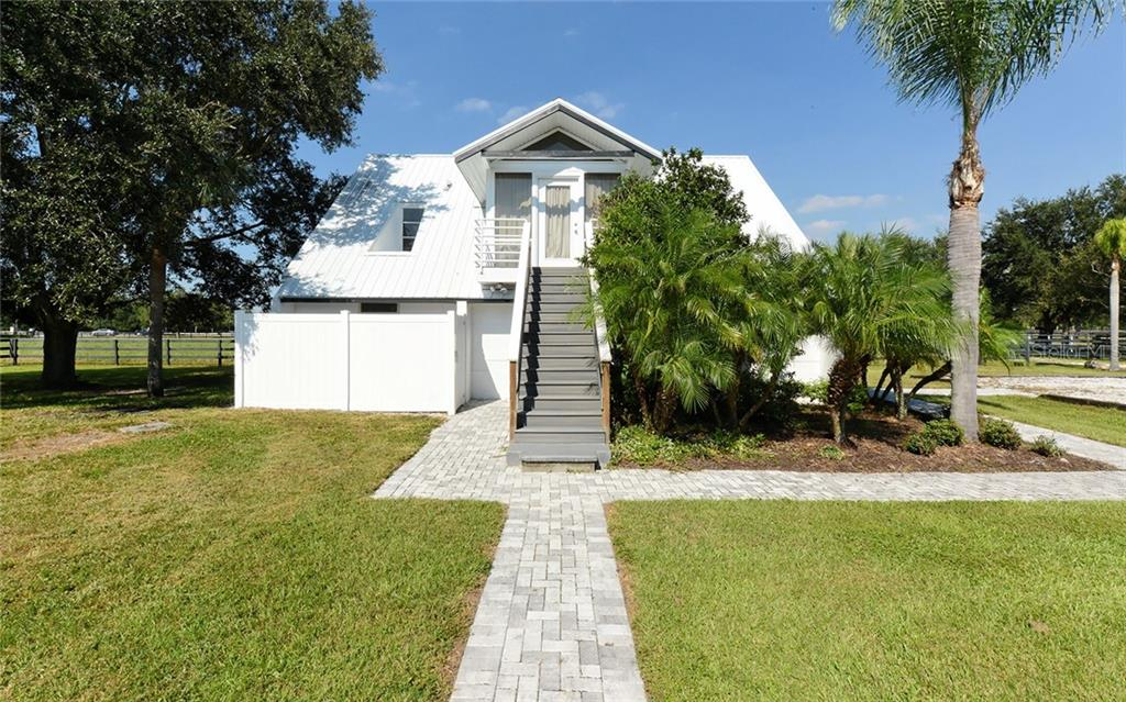 Single Family Home for sale at 7760 Cow Camp Ln, Sarasota, FL 34240 - MLS Number is A4418021