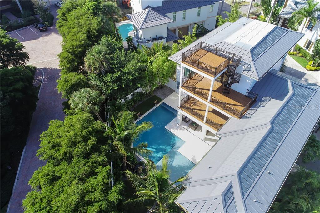 Single Family Home for sale at 5005 Gulf Of Mexico Dr #5, Longboat Key, FL 34228 - MLS Number is A4420808