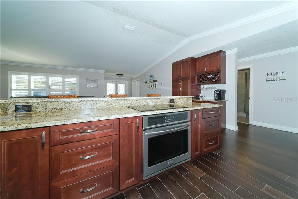 Single Family Home for sale at 8106 Timber Lake Ln, Sarasota, FL 34243 - MLS Number is A4423770