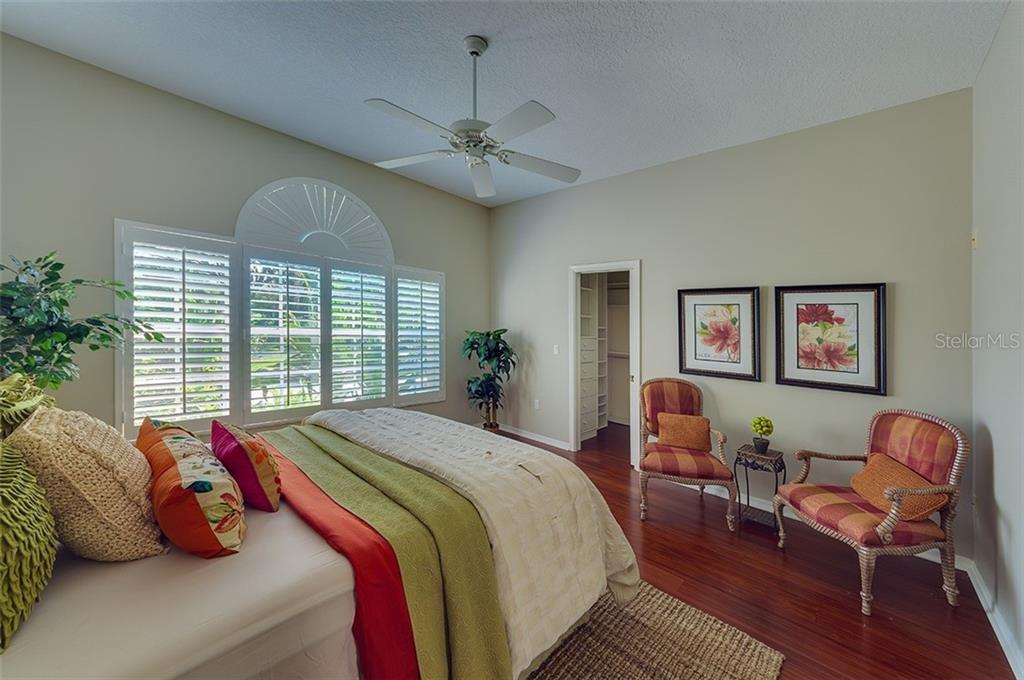 Casita Guest Bedroom. - Single Family Home for sale at 2972 Jeff Myers Cir, Sarasota, FL 34240 - MLS Number is A4424133