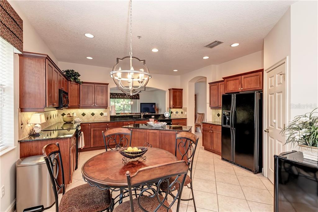6430 Moorings Point Cir #201, Lakewood Ranch, FL 34202 - MLS A4435067