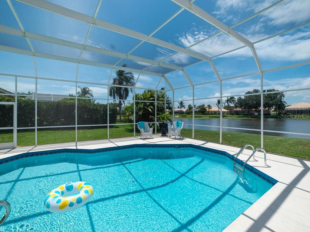 Beautiful recently resurfaced pool - Single Family Home for sale at 4117 Via Mirada, Sarasota, FL 34238 - MLS Number is A4438764