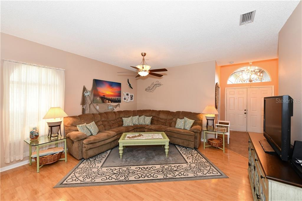 Large living area - Single Family Home for sale at 4074 Via Mirada, Sarasota, FL 34238 - MLS Number is A4439141