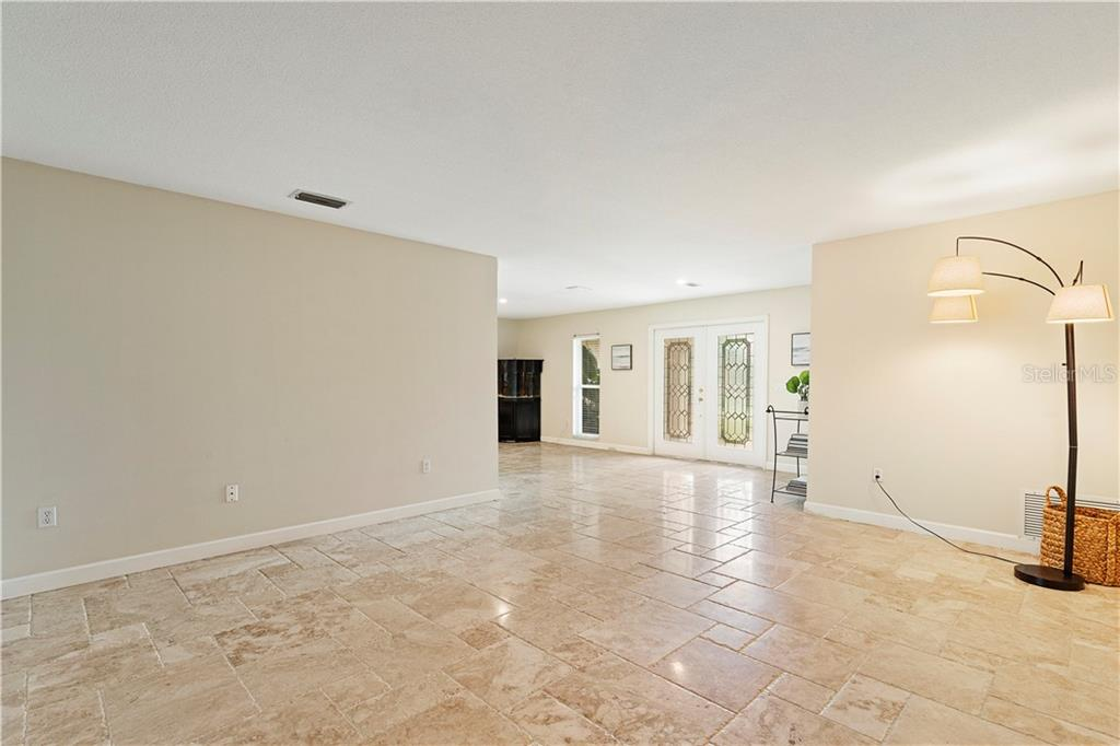 Single Family Home for sale at 7642 Cove Ter, Sarasota, FL 34231 - MLS Number is A4441131