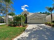 8323 Whispering Woods Ct, Lakewood Ranch, FL 34202