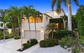 338 S Washington Dr, Sarasota, FL 34236