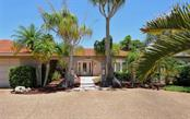 465 E Royal Flamingo Dr, Sarasota, FL 34236