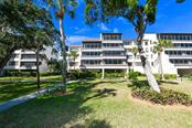 6285 Midnight Pass Rd #102, Sarasota, FL 34242