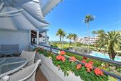 1445 Gulf Of Mexico Dr #203, Longboat Key, FL 34228