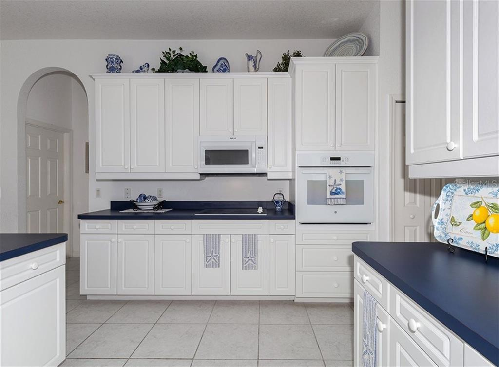 Kitchen - Single Family Home for sale at 2201 Sonoma Dr E, Nokomis, FL 34275 - MLS Number is N6103410