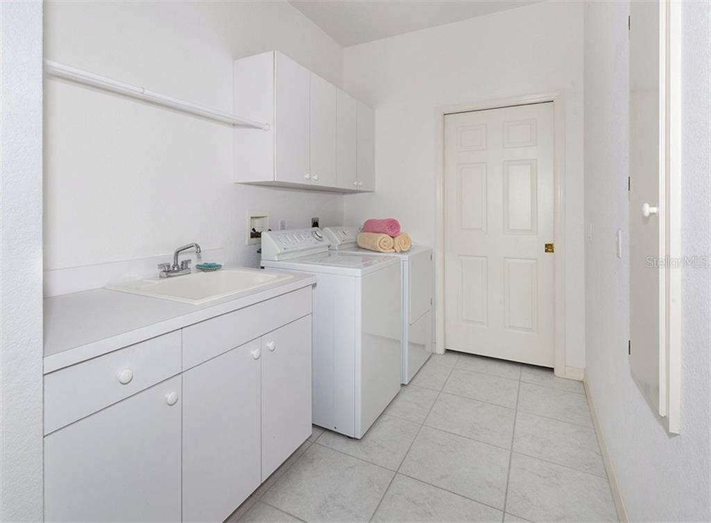 Laundry room - Single Family Home for sale at 2201 Sonoma Dr E, Nokomis, FL 34275 - MLS Number is N6103410